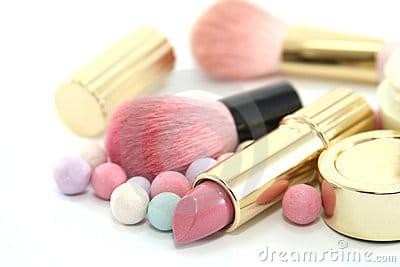 3 Ways Makeup Knocks Off Years